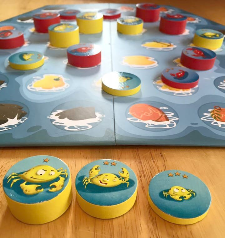 Crab Stack Strategy Game by Blue Orange Games